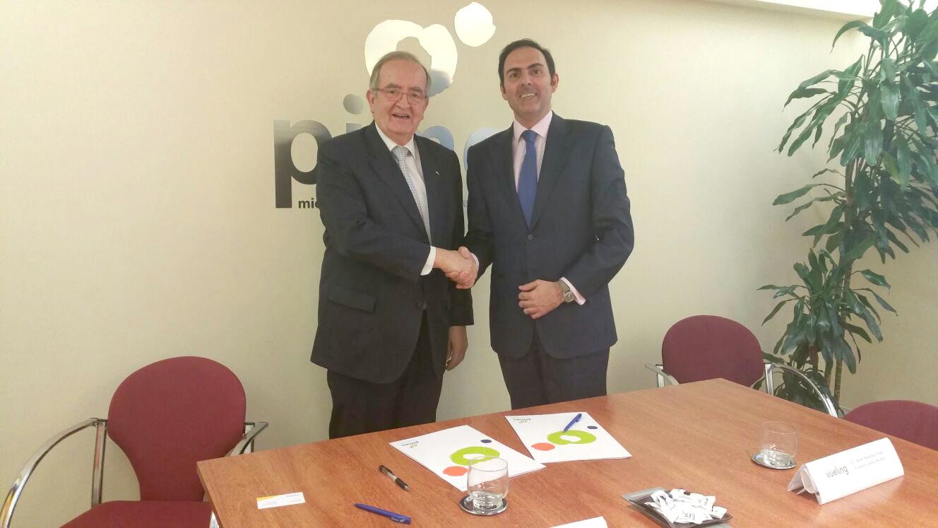 Pimec y vueling firman un nuevo acuerdo de colaboraci n for Oficinas de vueling en barcelona